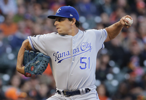 Vargas wins 4th straight as Royals top Giants 8-1