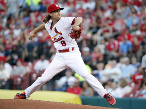 Leake and Molina lead Cardinals to 8-1 win over Nationals