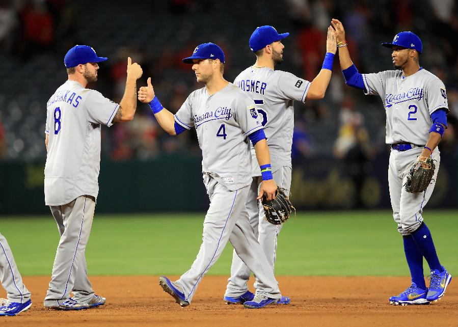 Royals roll to 5th straight win by beating Angels 7-2