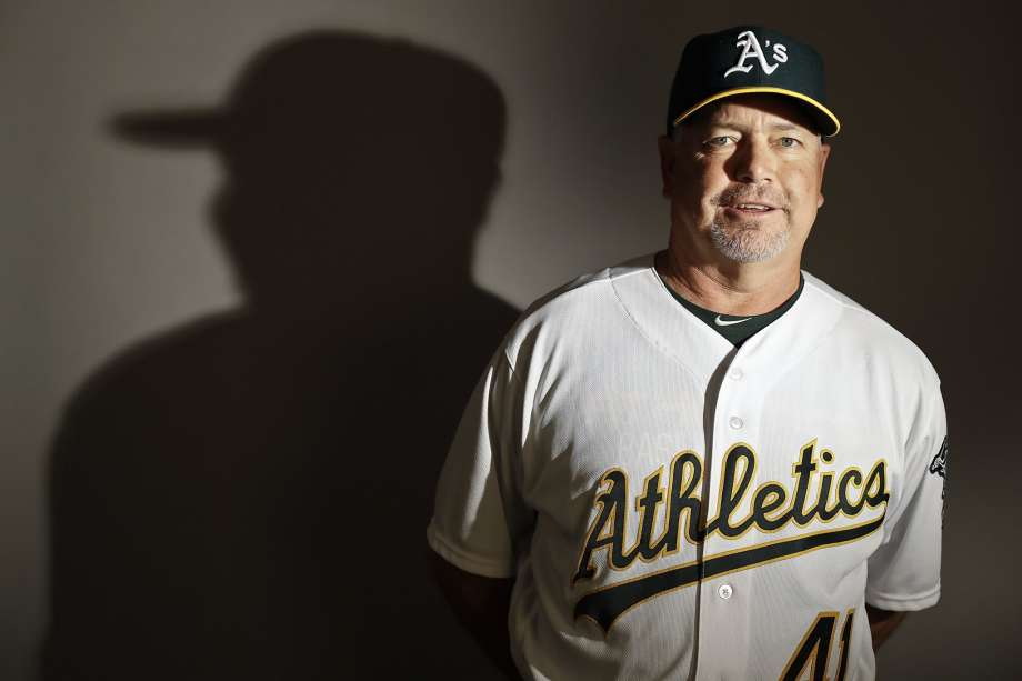 A's fire longtime pitching coach Curt Young