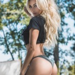Lindsey Pelas253