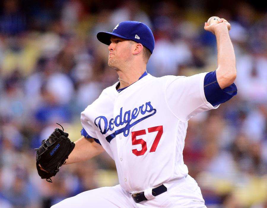 Wood improves to 10-0 in Dodgers' 1-0 win over D-backs