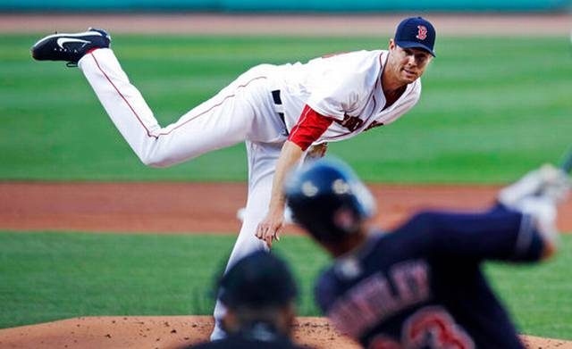 Dever's 4 hits back Fister as Red Sox beat Indians, 6-2