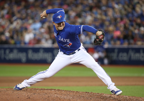 Indians acquire reliever Joe Smith from Blue Jays