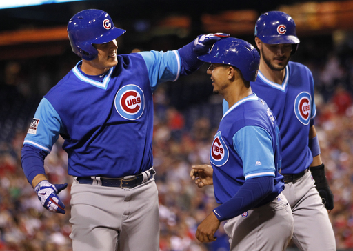 Rizzo, Hendricks lead Cubs past Hoskins, Phillies