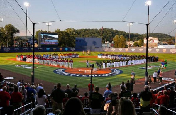 Bell powers Pirates past Cards 6-3 in Little League Classic