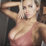 Lindsey Pelas277