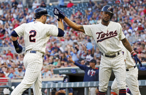 Mauer, Twins erupt for 17-0 win over Royals