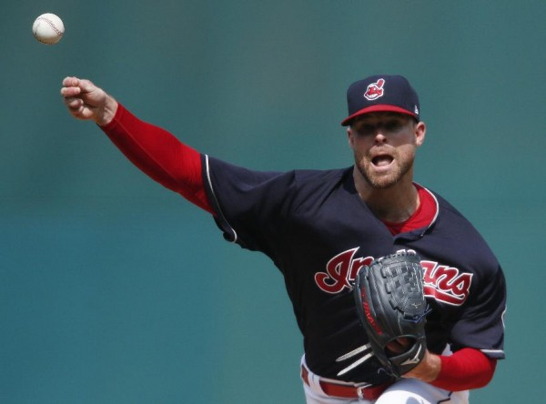 Kluber, Indians edge Royals 3-2, celebrate AL Central title