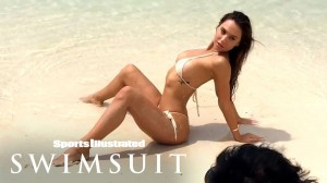 Alexis Ren SI Swimsuit4